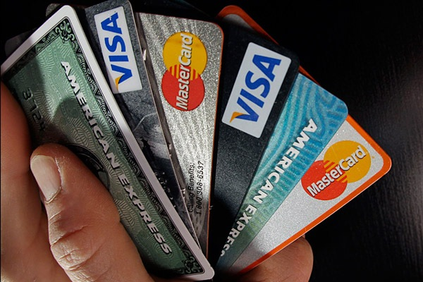 Creditcards_and_cash_loans